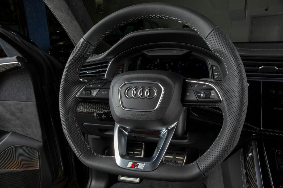 Audi SQ8 I (4M)