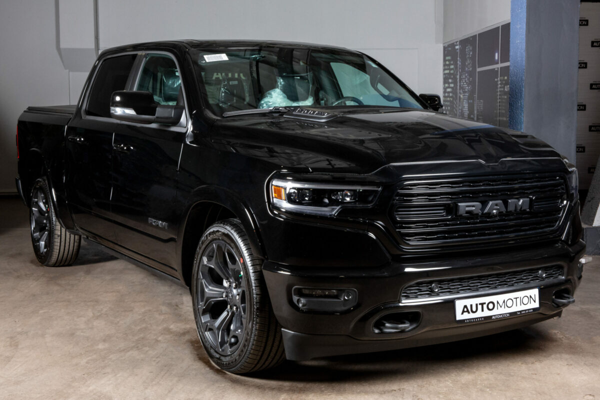 RAM 1500 Limited Black